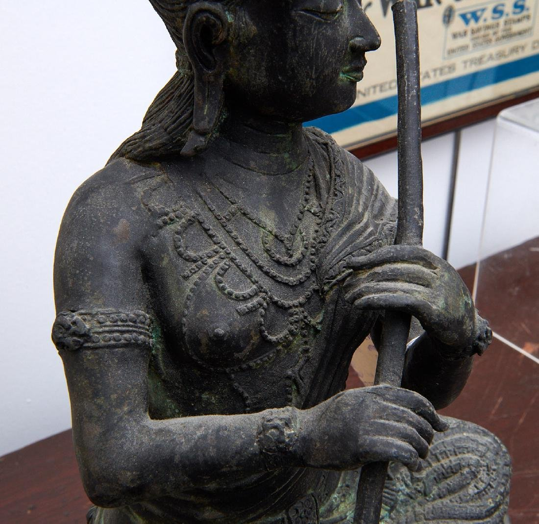 Large Asian seated Guanyin figure - 5