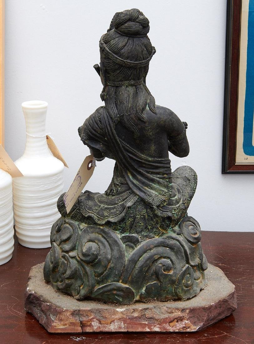 Large Asian seated Guanyin figure - 7