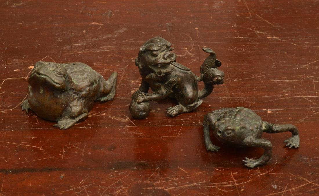 Chinese bronze water droppers & scroll weight