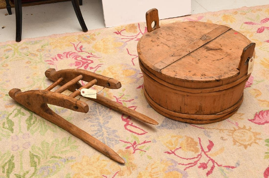 Shaker wooden wash tub with lid and drying rack