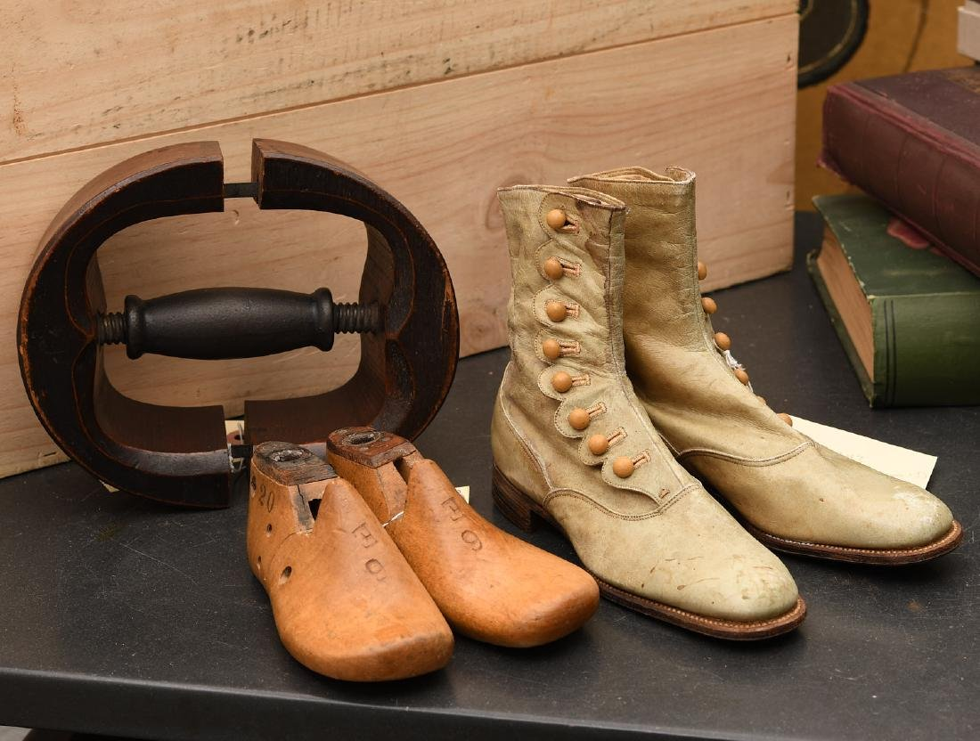 Antique accessories group