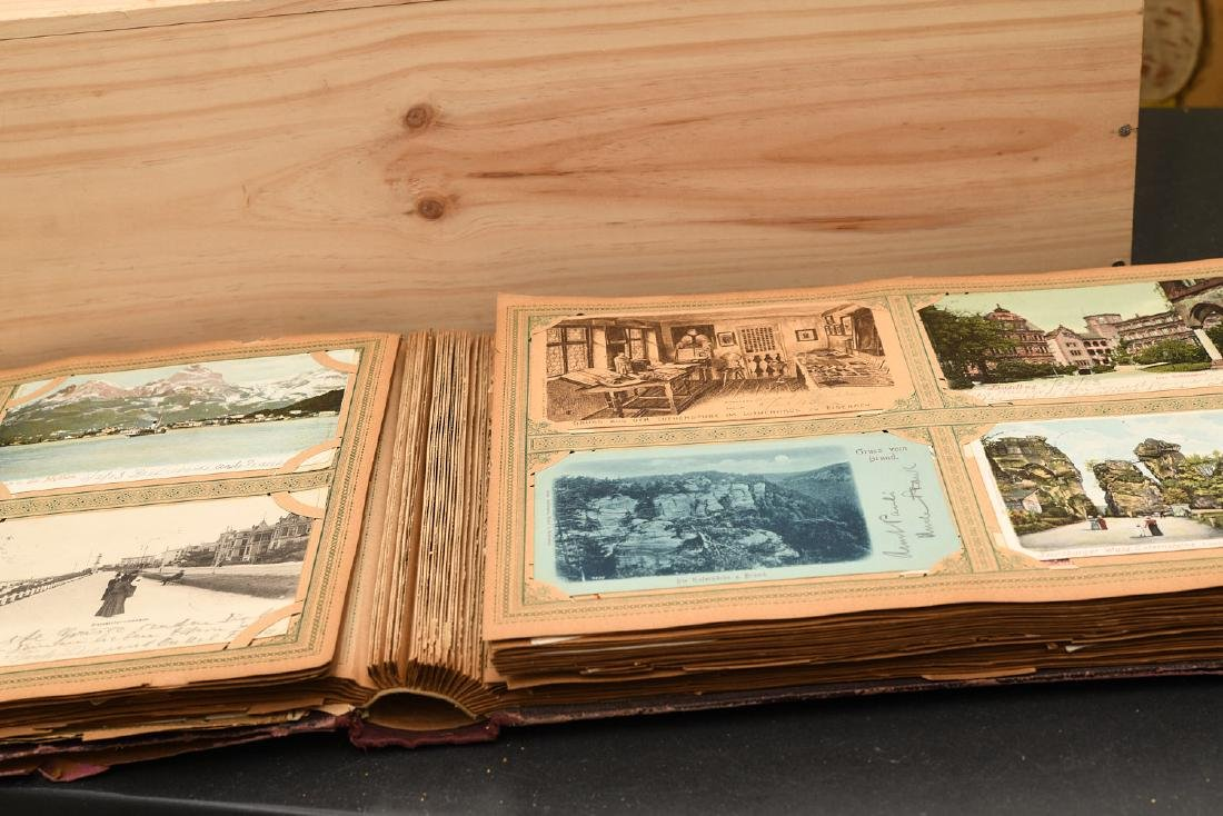 Huge collection 800+ antique postcards - 10