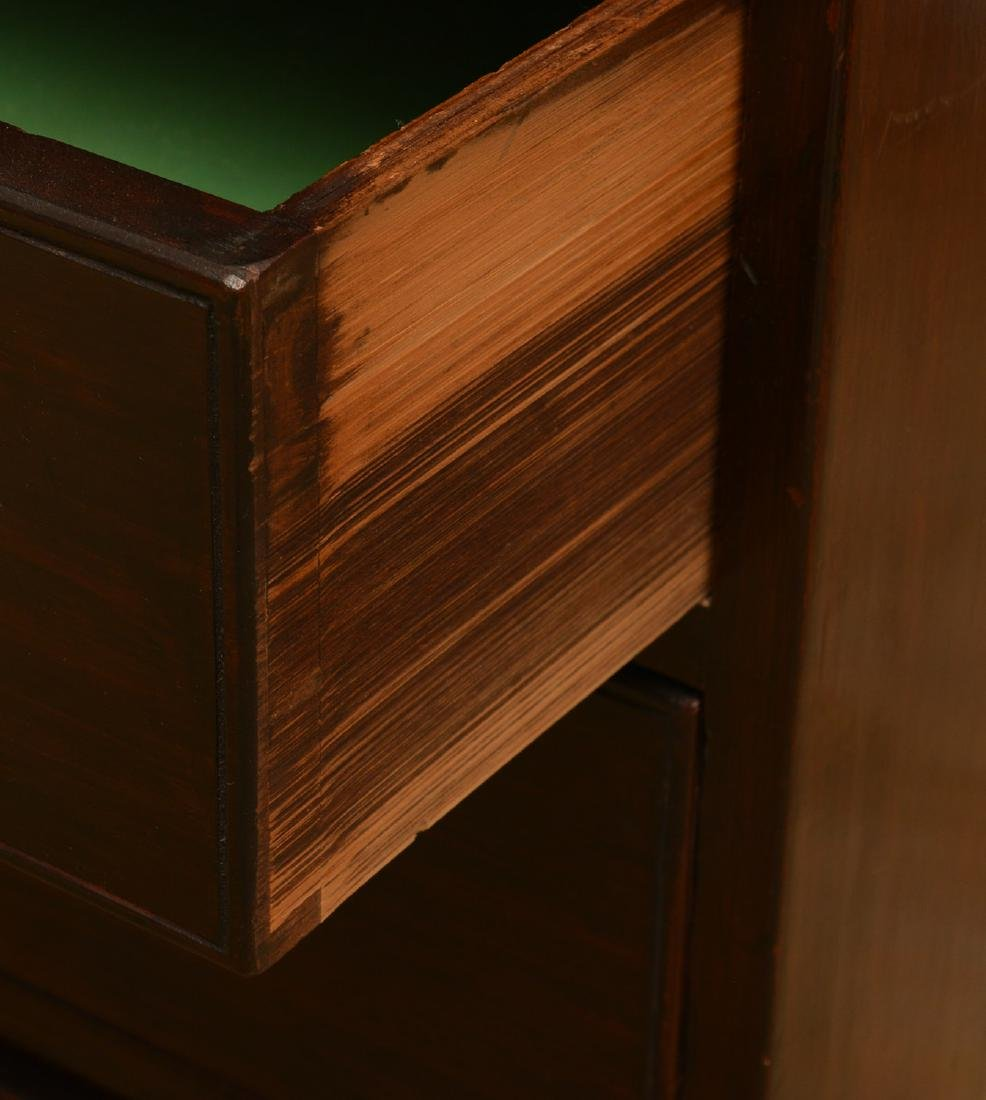 Antique English mahogany bachelor's chest - 3