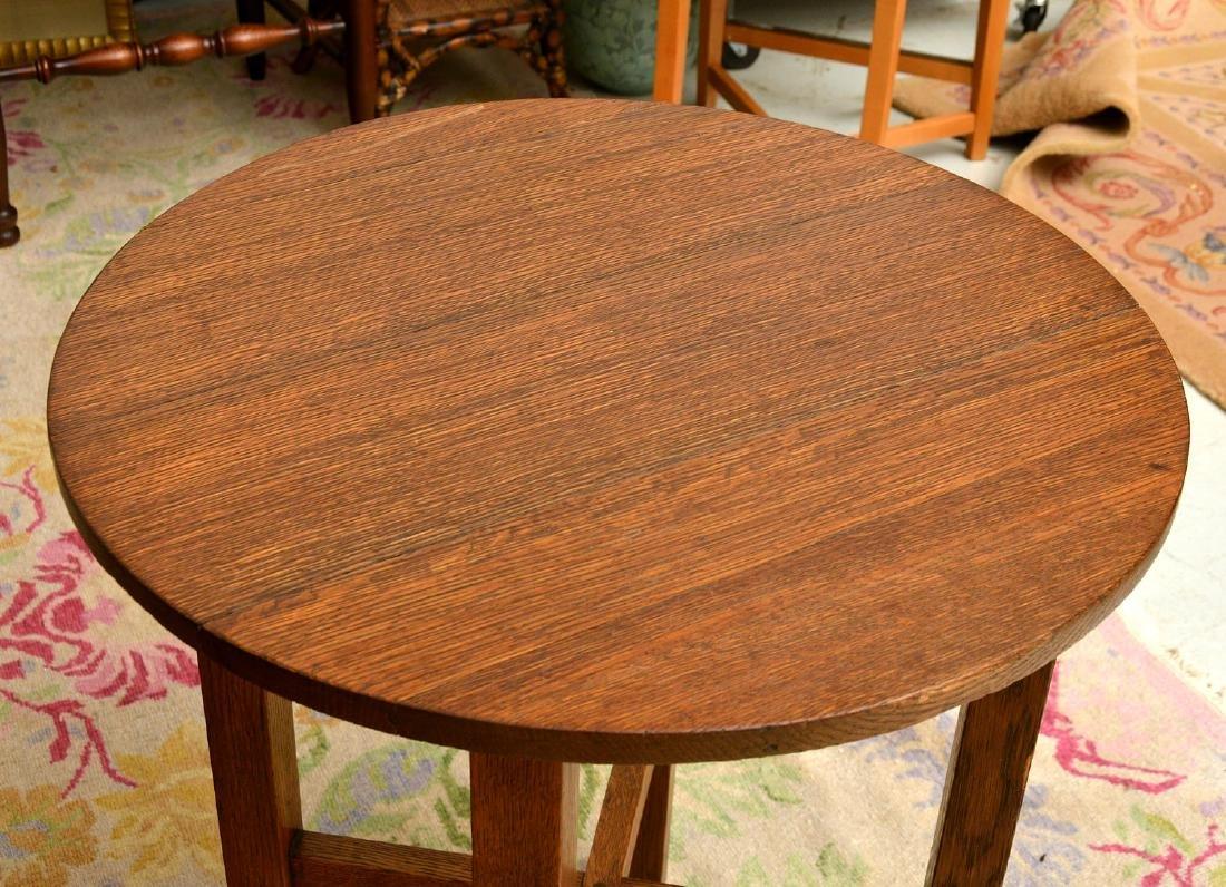 Arts & Crafts style oak side table - 2