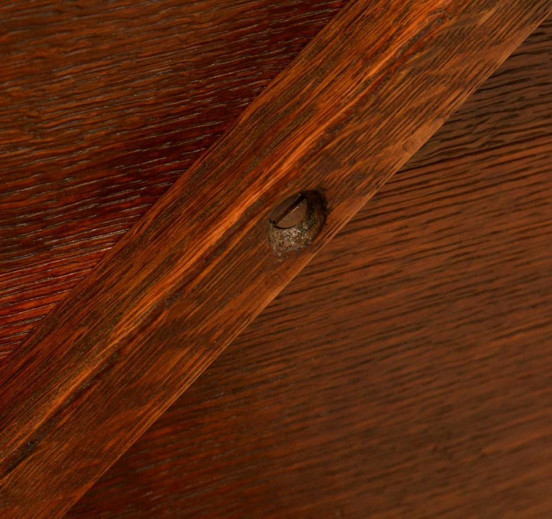 Arts & Crafts style oak side table - 7