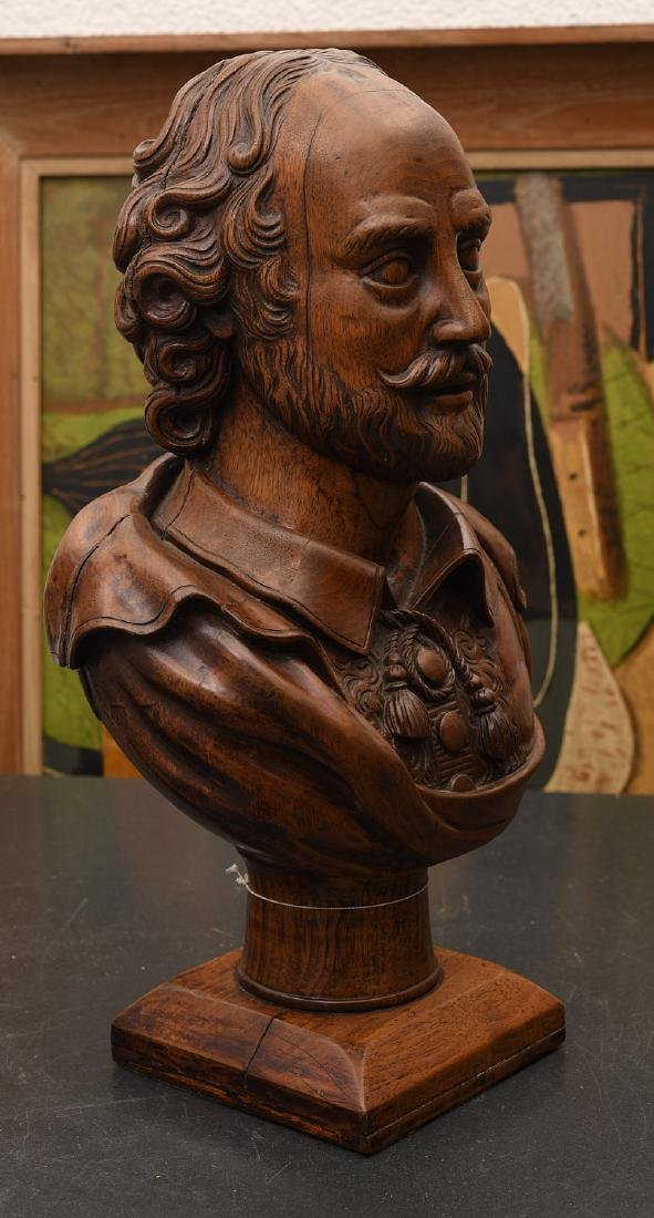 Carved walnut bust of William Shakespeare - 2