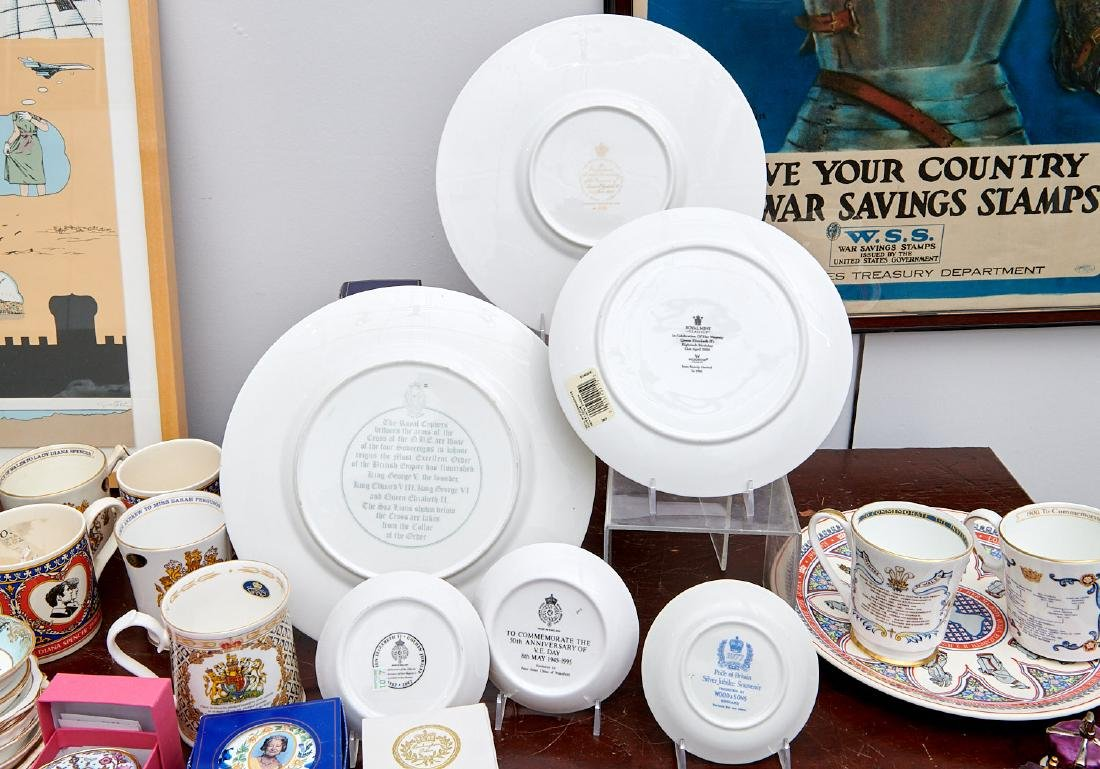 (40+) English Royalty commemorative porcelains - 9