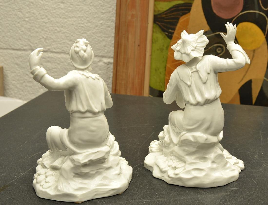 Pair Continental blanc de chine figures - 6