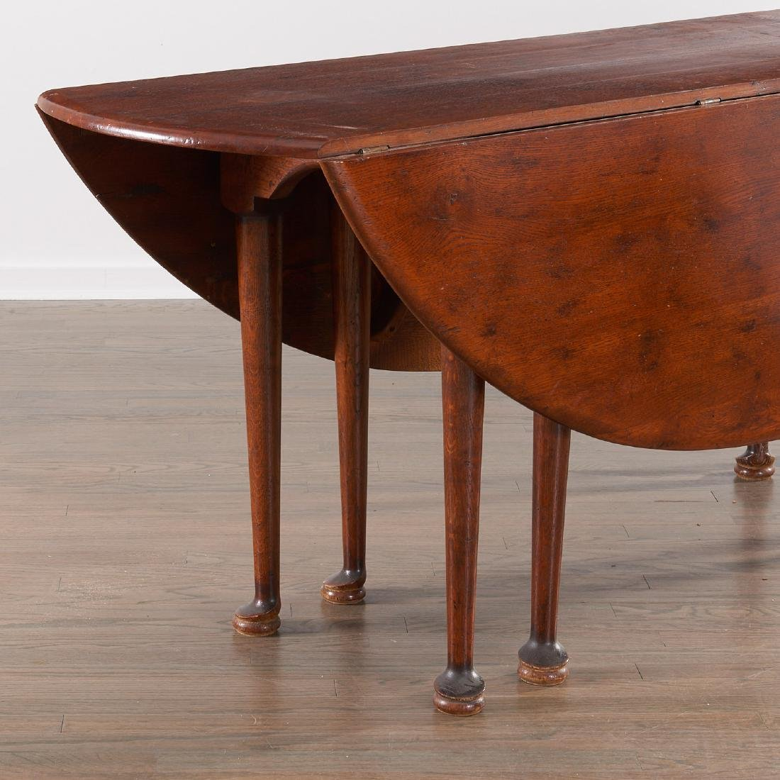 George II style drop leaf hunt table - 2