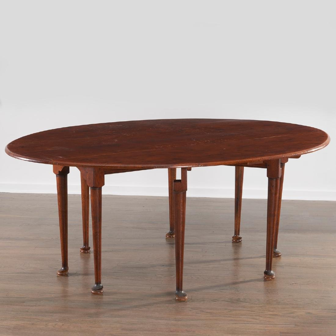 George II style drop leaf hunt table - 4