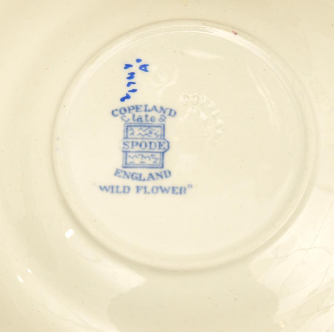 Copeland Spode 'Wild Flowers' partial dinner set - 10