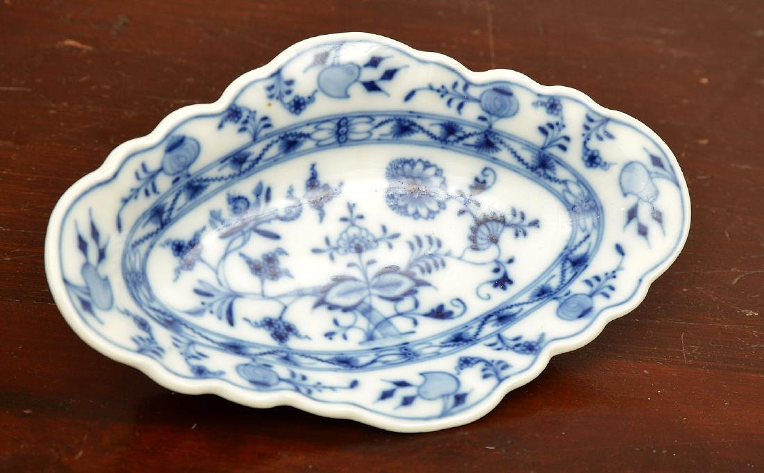 Assembled German blue and white porcelains group - 2