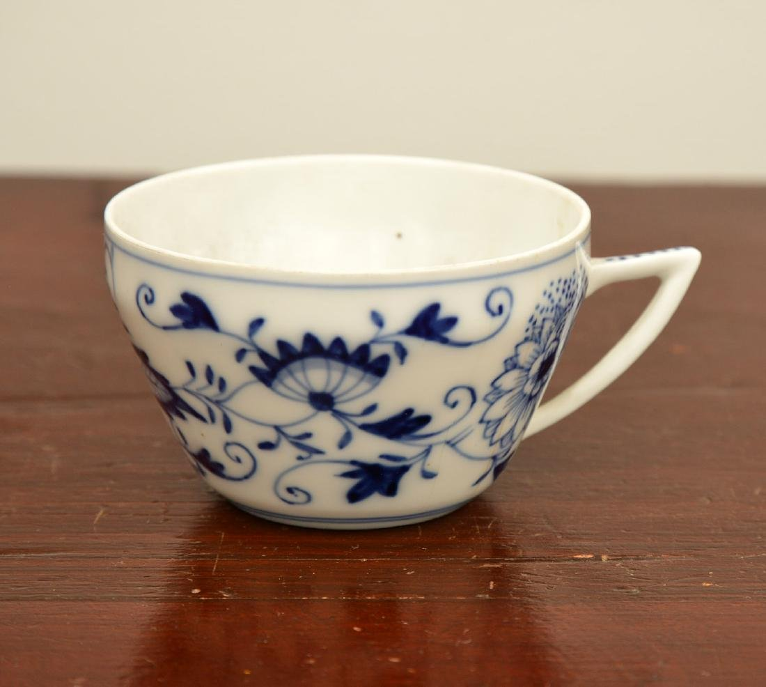 Assembled German blue and white porcelains group - 4