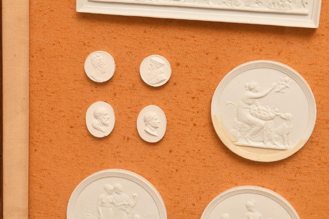 Collection (16) Neo-classical plaster intaglios - 6