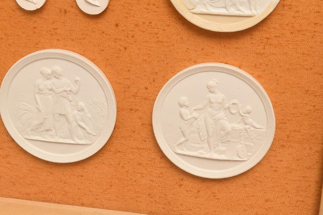 Collection (16) Neo-classical plaster intaglios - 7