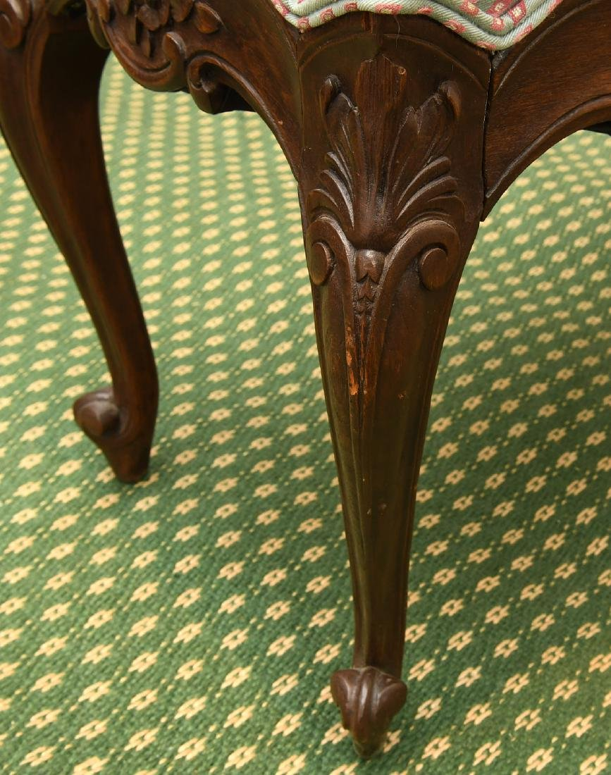 Louis XV style carved walnut bench - 5