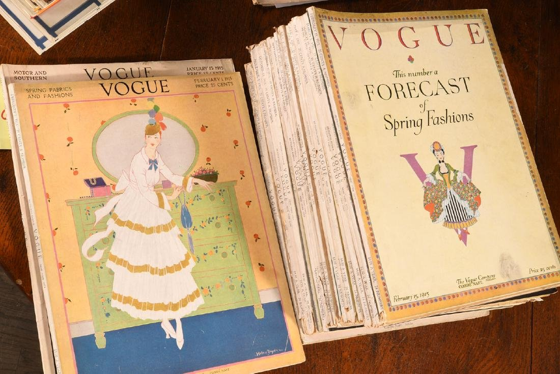 MAGAZINES: (22) Complete Issues VOGUE 1915 1917 - 5