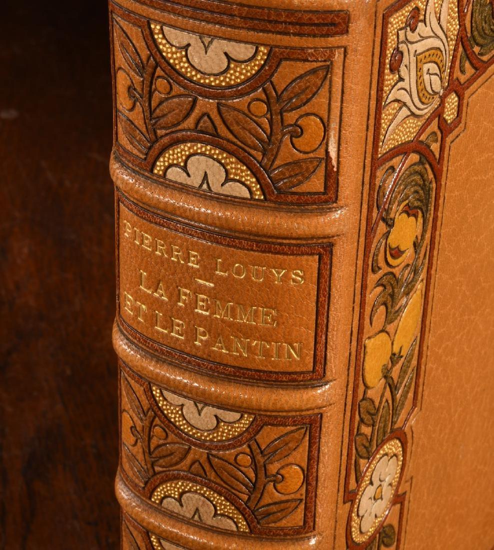 BOOK: 903 La Femme et Le Pantin Fine Binding - 2