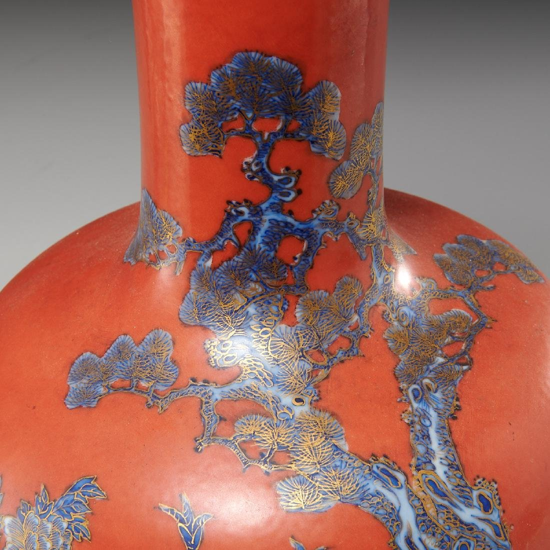 Chinese iron red ground porcelain vase - 3
