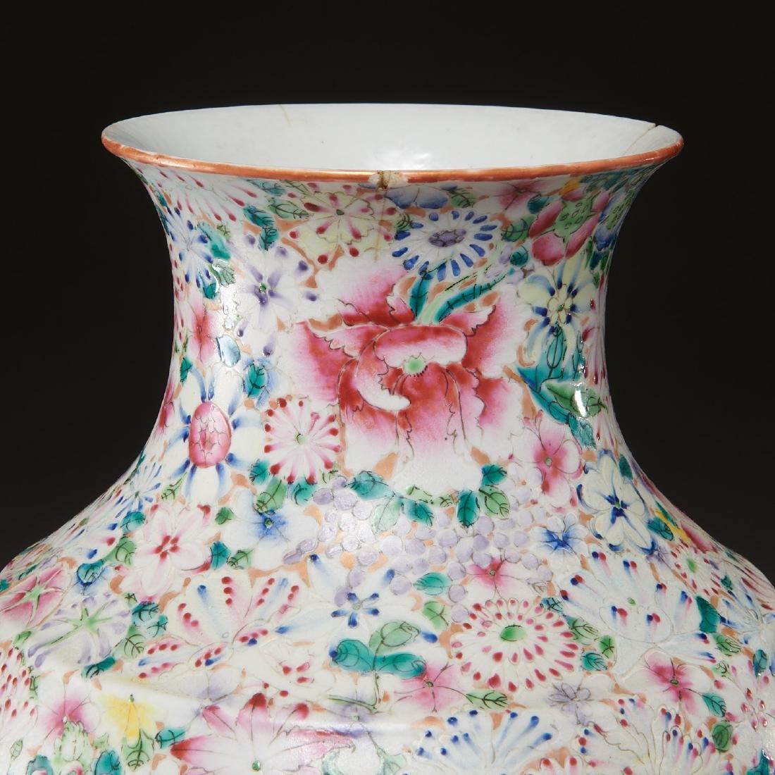 Chinese porcelain millefleurs vase - 5