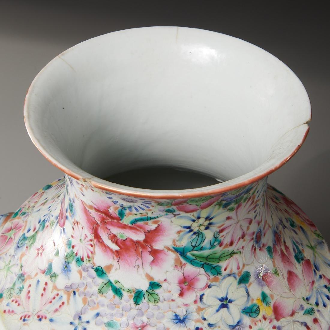 Chinese porcelain millefleurs vase - 6