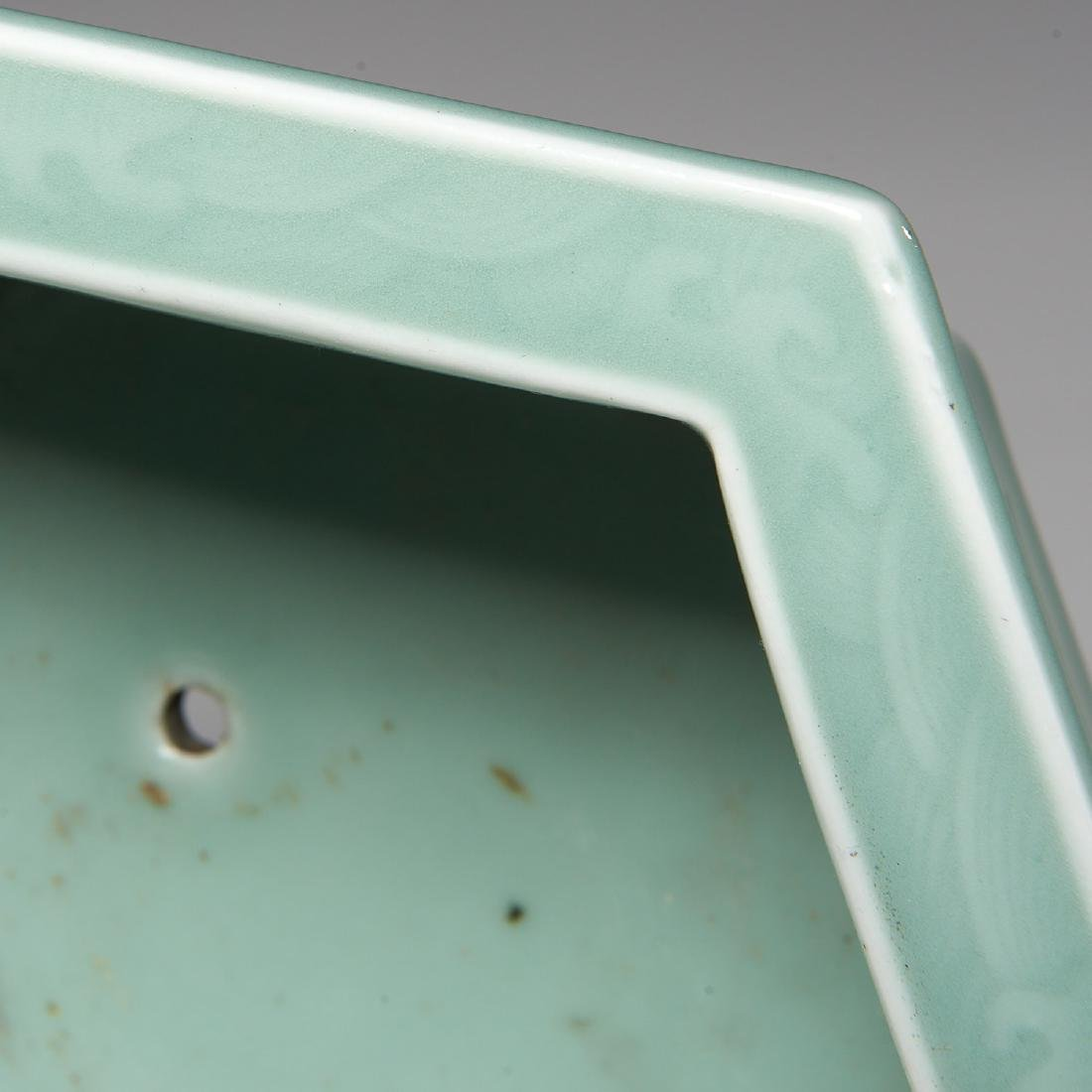 Old Chinese carved celadon jardiniere - 4