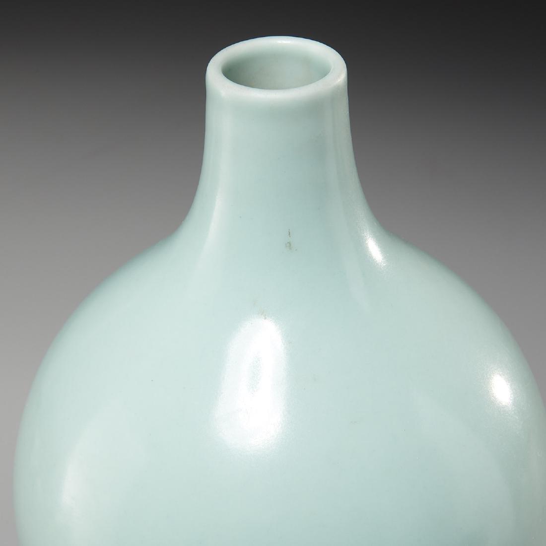 Chinese celadon-glaze double gourd vase - 2
