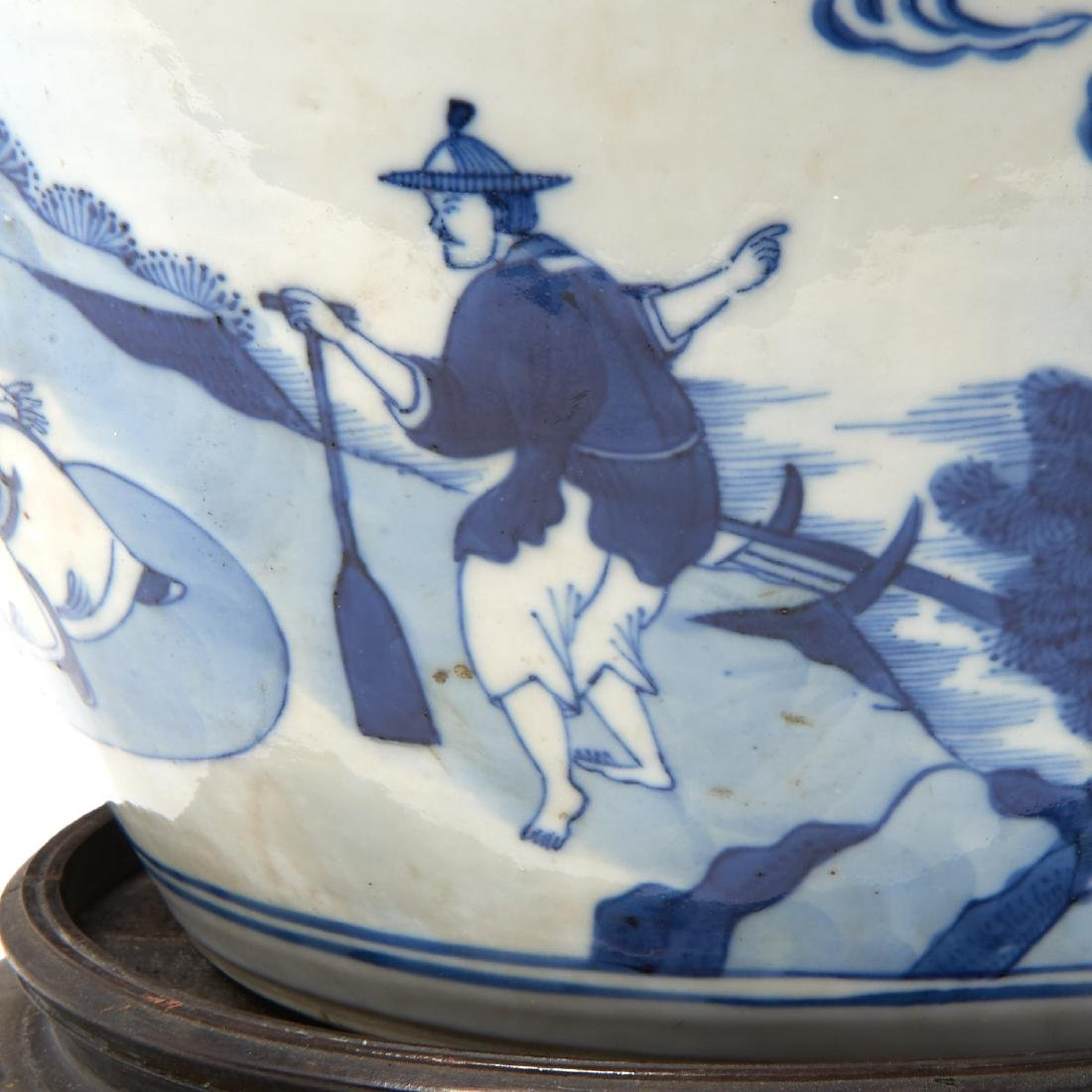 Large Chinese blue and white porcelain jar - 5