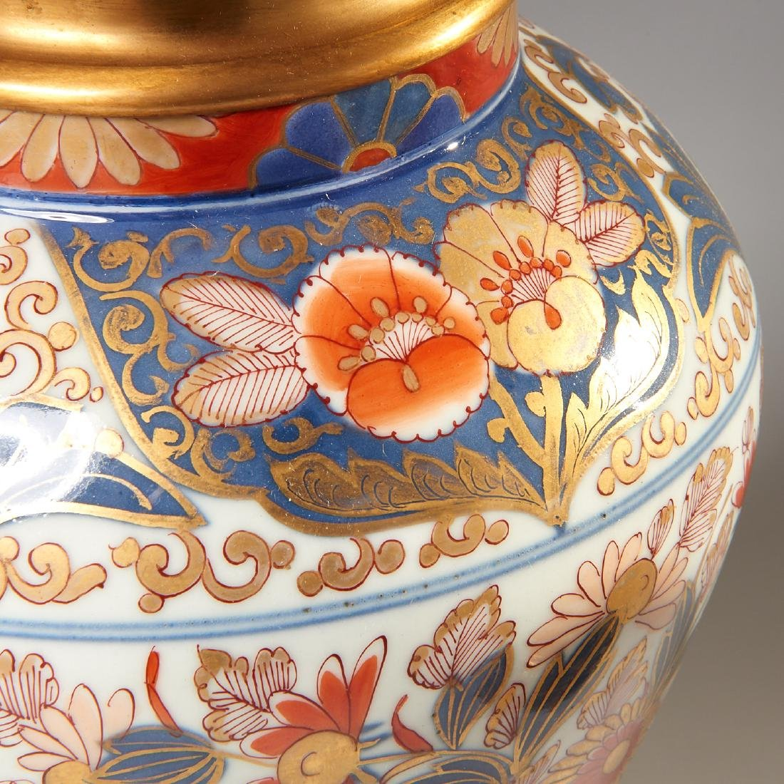 Pair Japanese Imari ormolu mounted lamps - 3