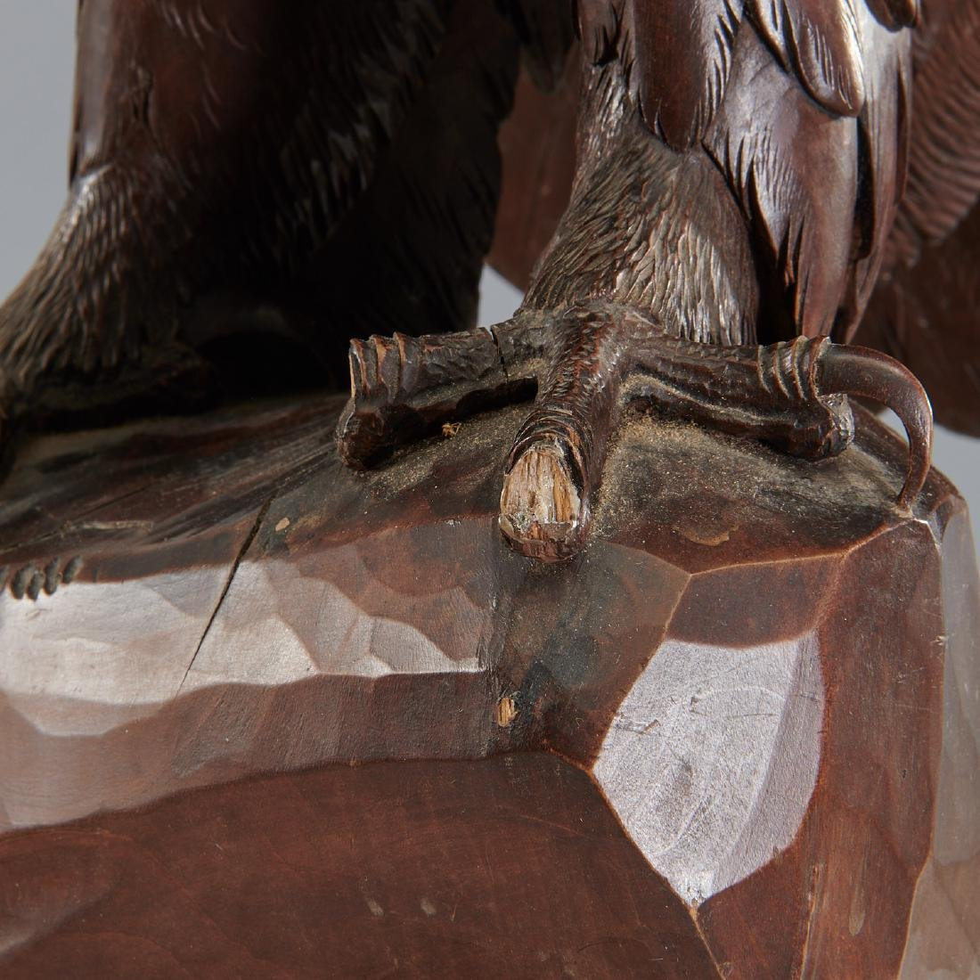 Near life-size carved Black Forest eagle sculpture - 4