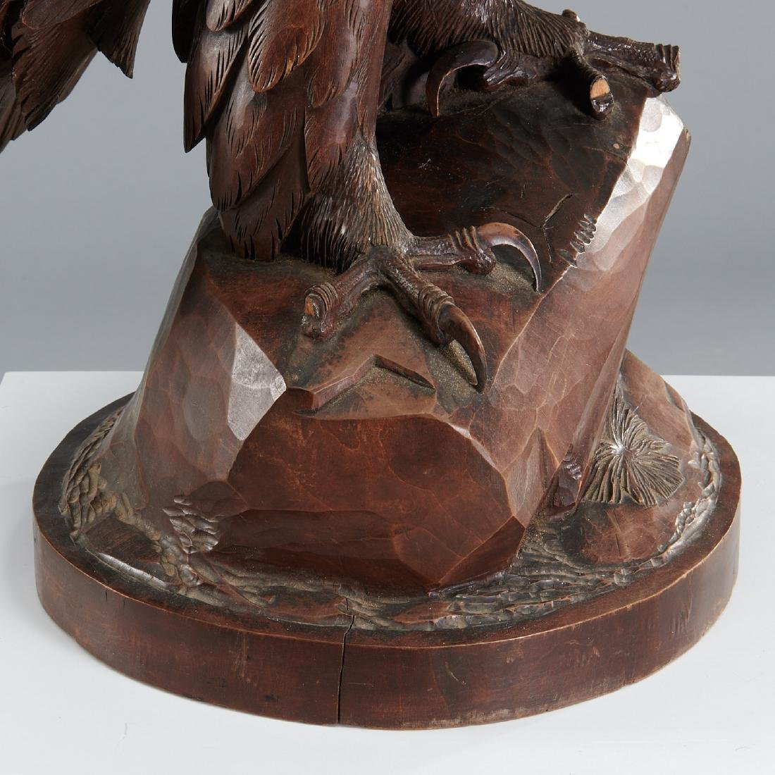 Near life-size carved Black Forest eagle sculpture - 7