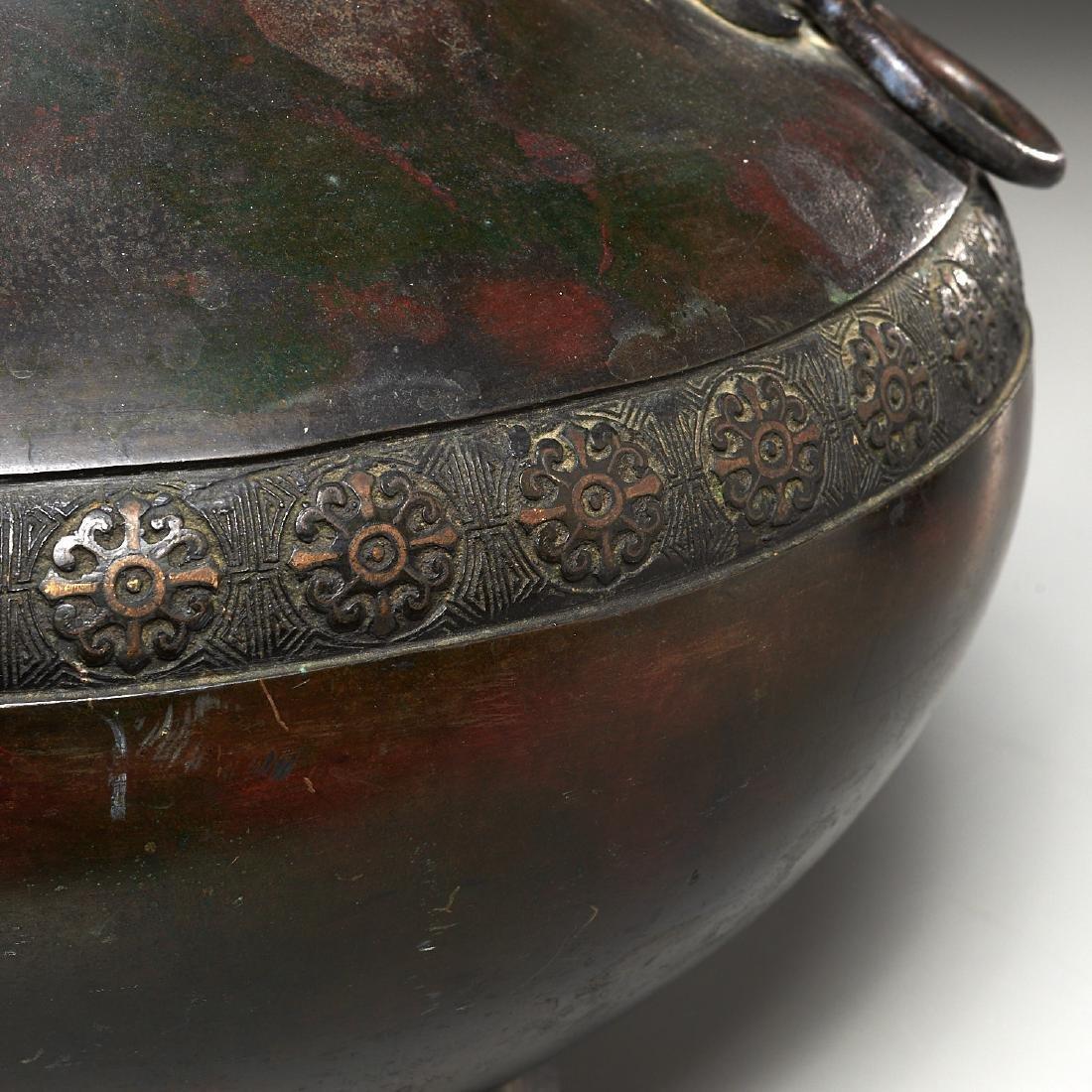 Chinese archaic bronze urn - 3