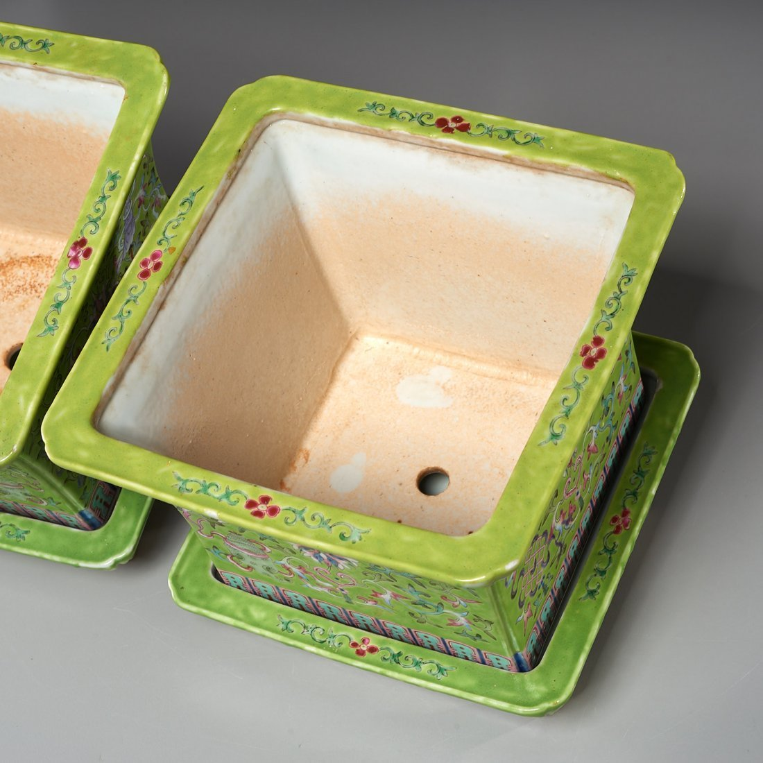Pair Chinese famille verte jardiniere with trays - 7