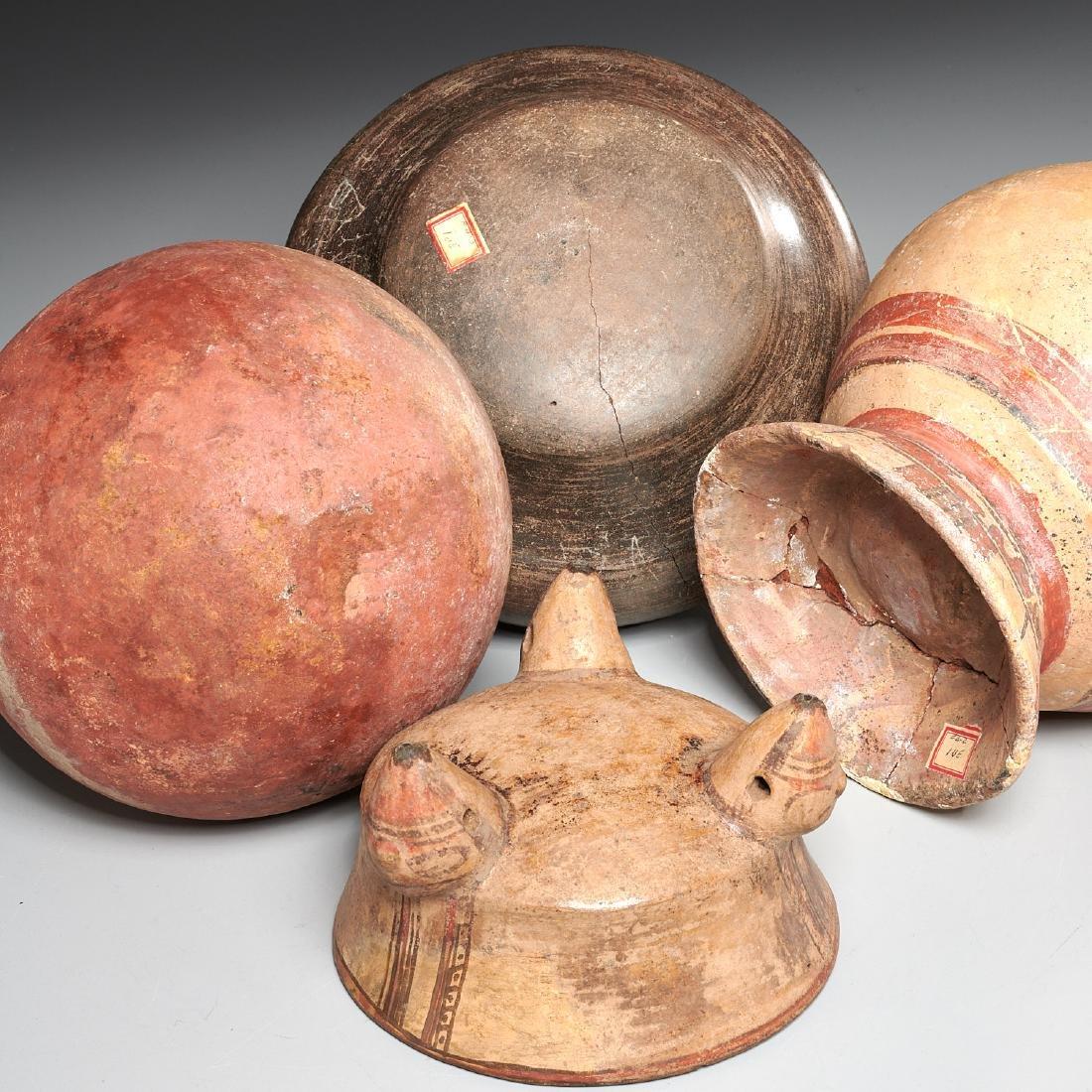 Group (4) Pre-Columbian terracotta vessels - 9