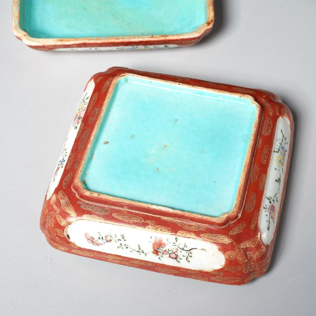 Chinese famille rose lidded box - 4