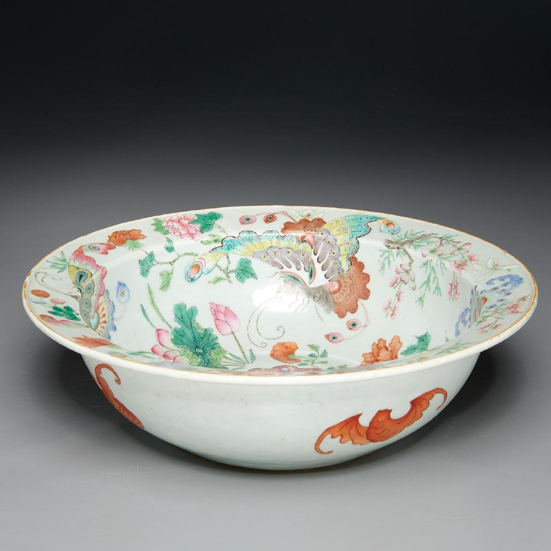 Large Chinese porcelain butterfly bowl - 2