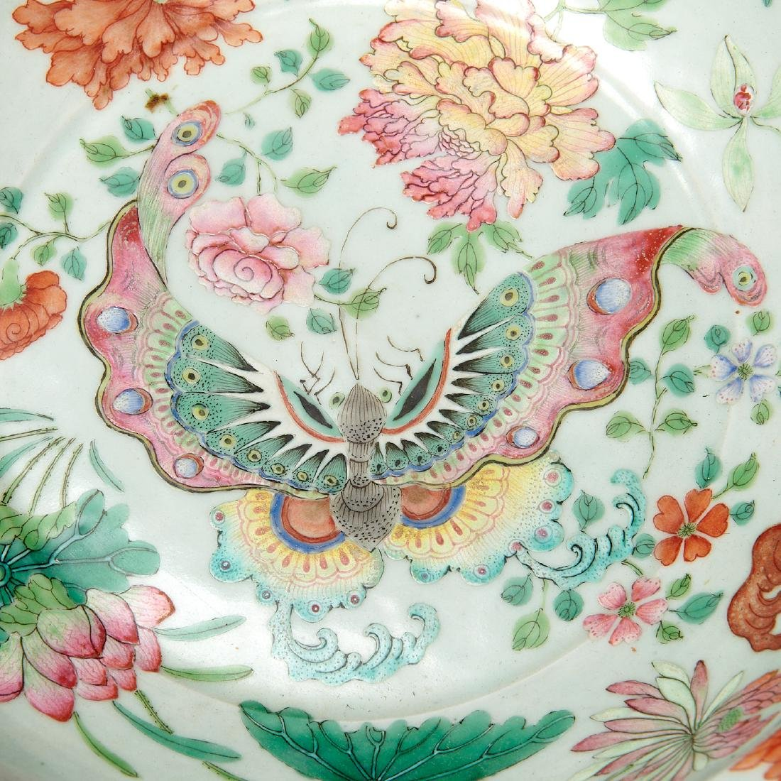 Large Chinese porcelain butterfly bowl - 4