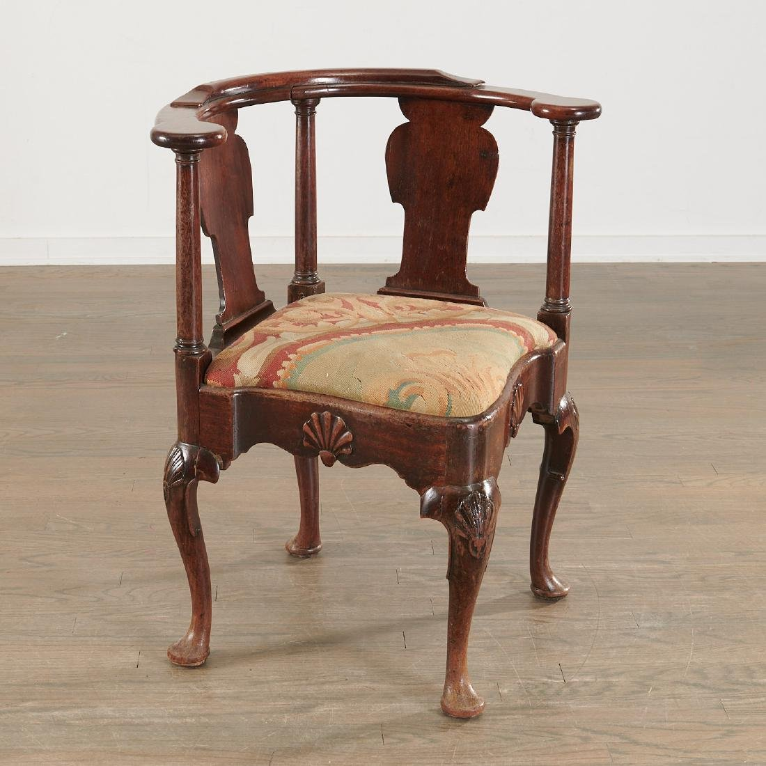 Chippendale carved walnut corner chair - 2