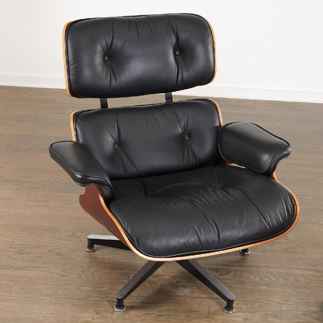 Charles and Ray Eames, Lounge chair and ottoman - 2