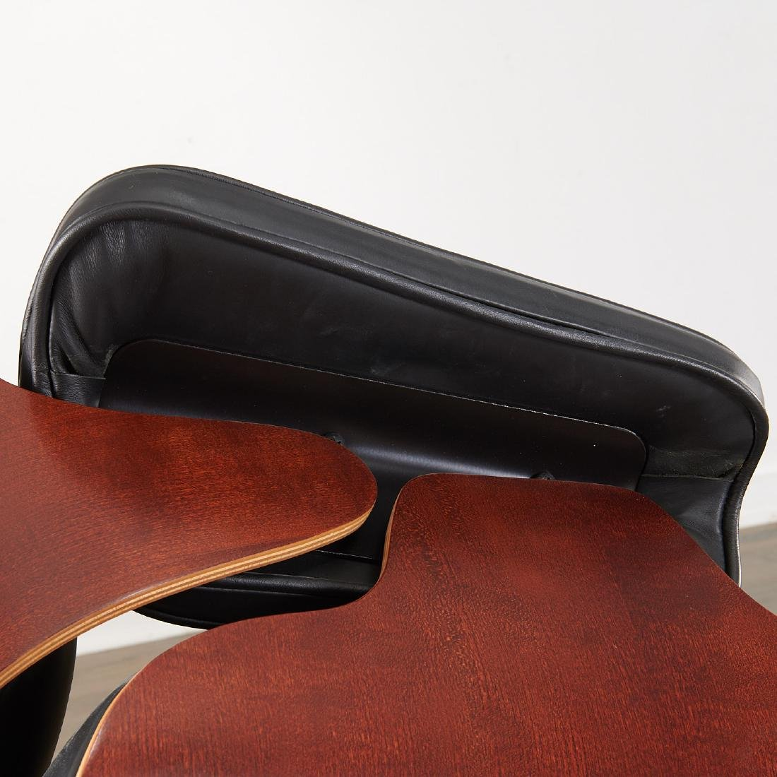 Charles and Ray Eames, Lounge chair and ottoman - 6