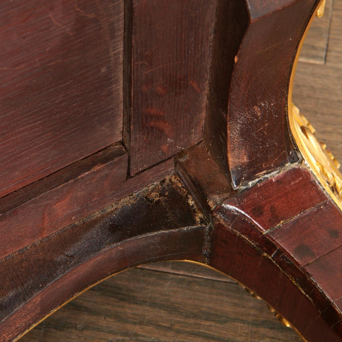 Parisian quality Louis XV style parquetry commode - 9