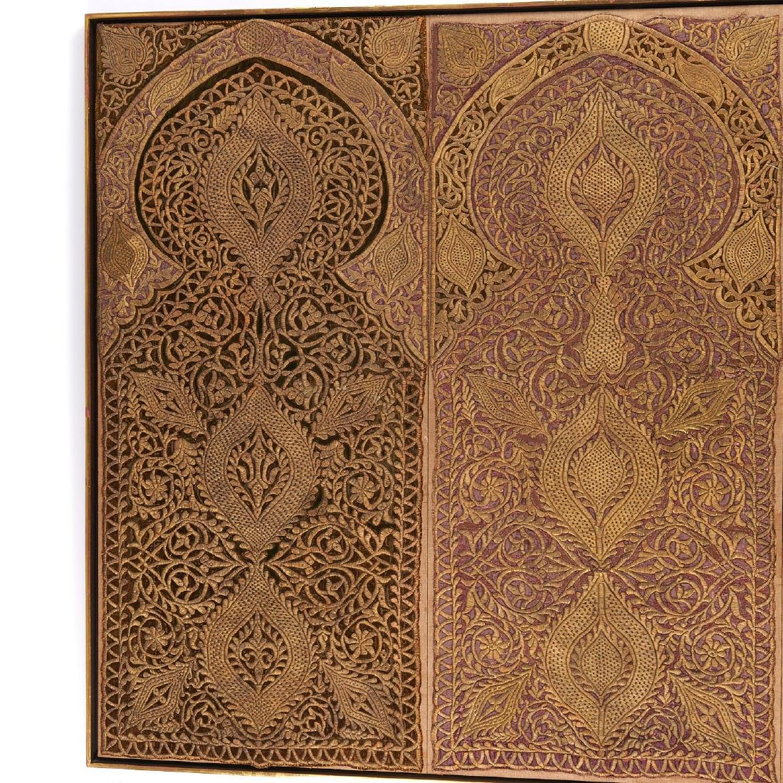 Large Mughal silk and metal threaded tapestry - 2