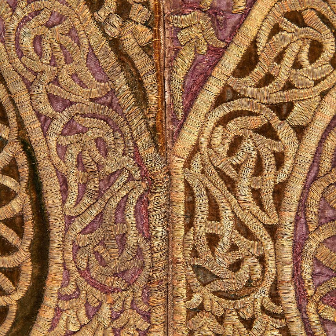 Large Mughal silk and metal threaded tapestry - 5