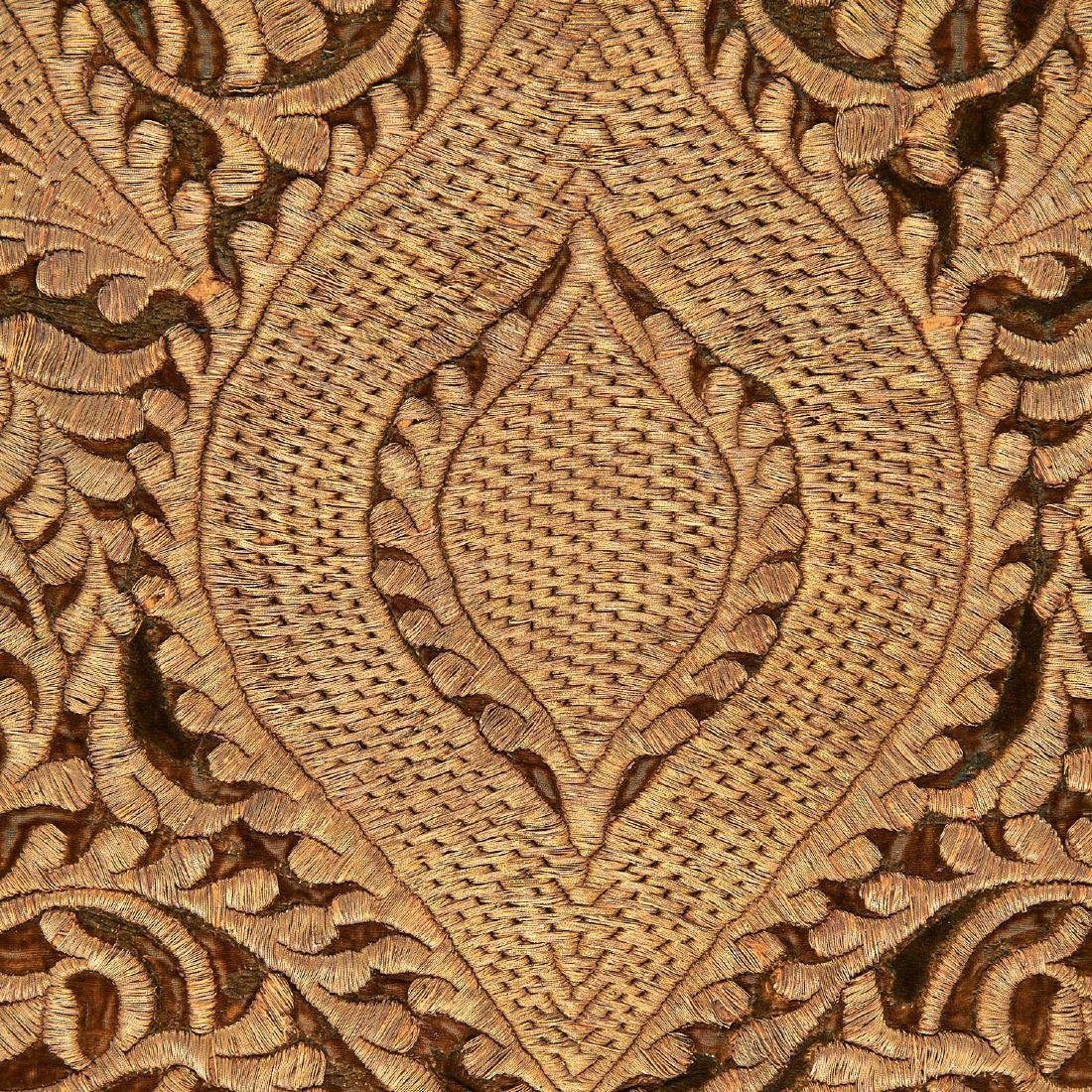 Large Mughal silk and metal threaded tapestry - 7