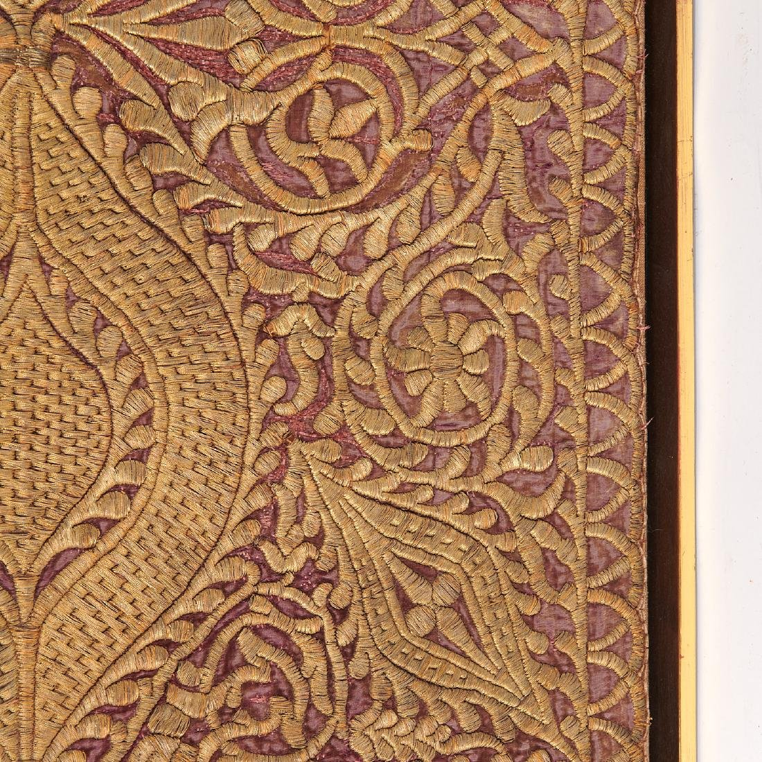 Large Mughal silk and metal threaded tapestry - 8