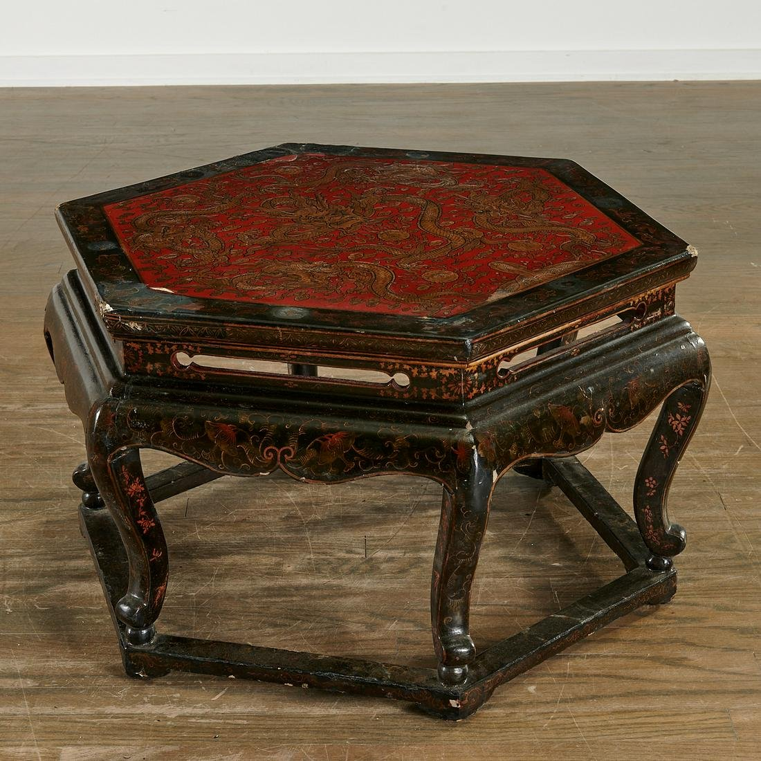 Chinese gilt lacquer polygonal low table