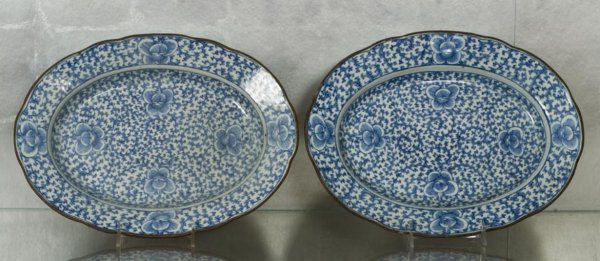 4: Pair Chinese Thai market blue-and-white platters