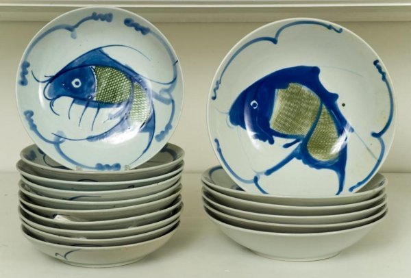 24: Assembled set Japanese porcelain fish dishes