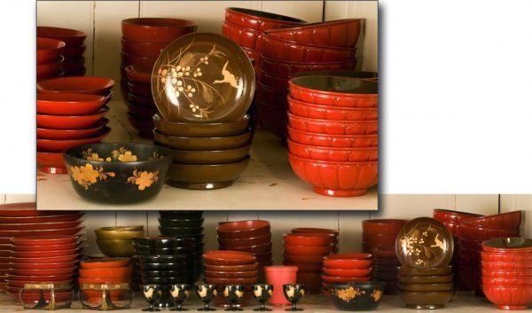 51: Extensive collection of Japanese lacquer tableware
