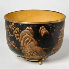 Louis XV Chinoiserie tole, bronze cachepot